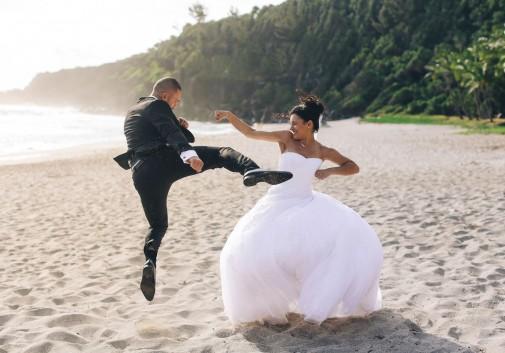 bagarre-comique-plage-mariage-mer