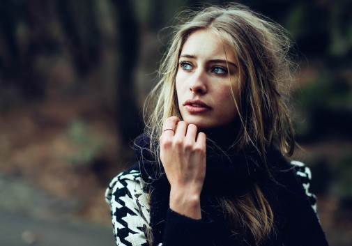 blonde-nature-cinema-femme-portrait