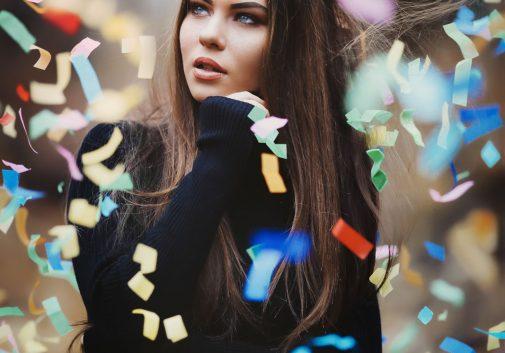 confetti-magie-portrait-brune-femme