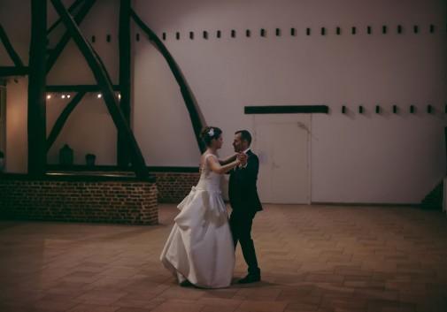 couple-amour-mariage-danse-romantique