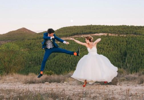 couple-bagarre-comique-mariage-montagne