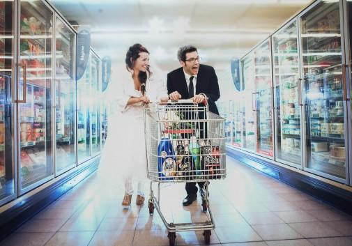 couple-bonheur-folie-magasin-amour