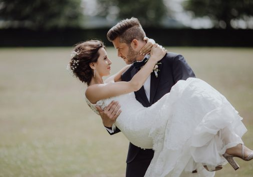 couple-bonheur-mariage-nature-amour