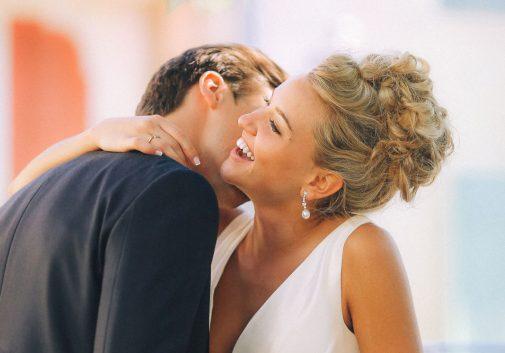 couple-bonheur-rire-mariage-blonde