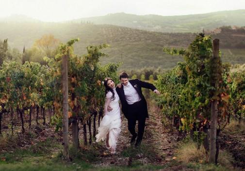couple-bonheur-toscane-rire-vigne