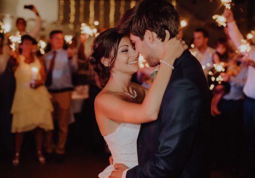 couple-danse-joie-amour-mariage