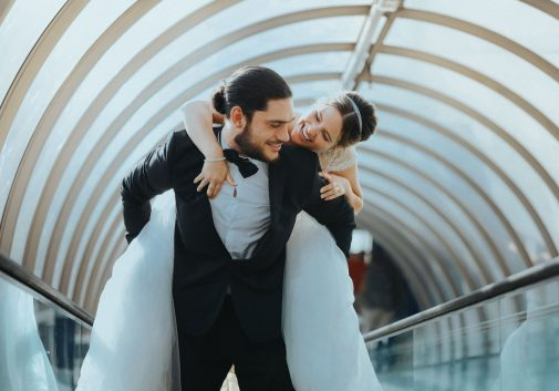 couple-fun-mariage-amour-rire