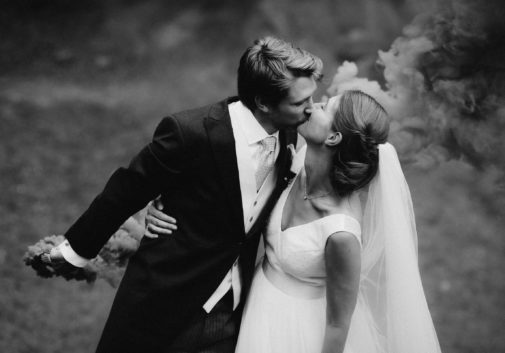 couple-mariage-amour-joie-nature