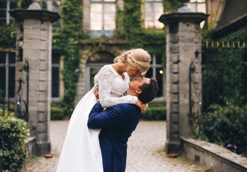 couple-mariage-pont-blonde-nature