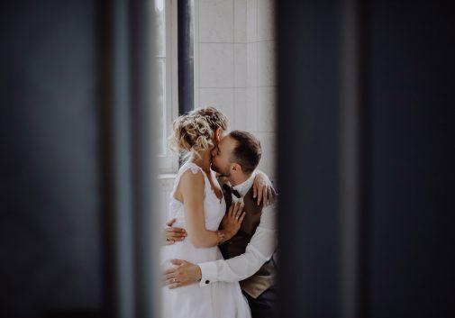 couple-mariage-tendresse-bonheur