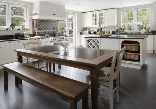 cuisine-table-décoration-lumière-immobilier