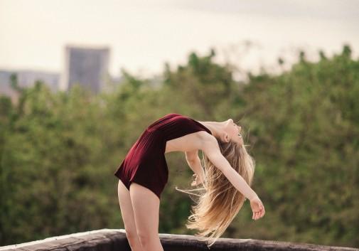 danse-classique-toit-blonde-souplesse