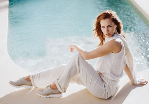 femme-piscine-rousse-mode-soleil