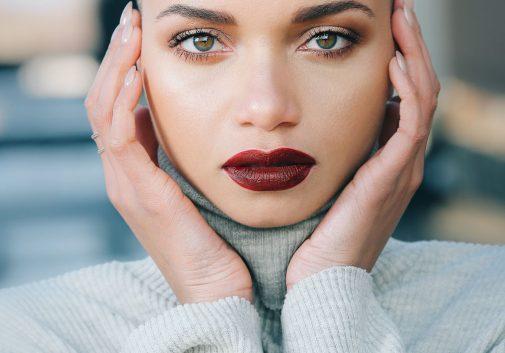 femme-portrait-regard-visage-yeux