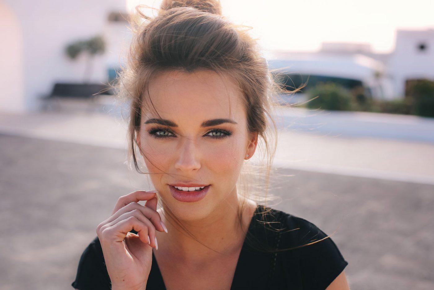 Femme Portrait Visage Brune Soleil Maquillage Ange