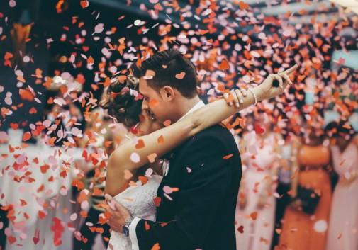 mariage-amour-danse-couple-joie