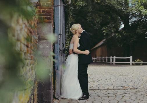 mariage-couple-amour-mariée-blonde-rire.jpg