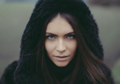 pluie-goutte-yeux-bleu-femme