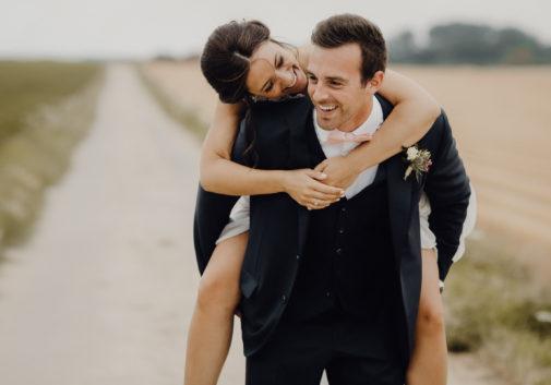 couple-bonheuur-nature-mariage-joie