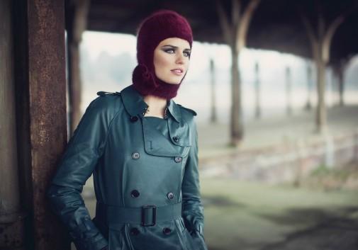 femme-mode-chapeau-brune