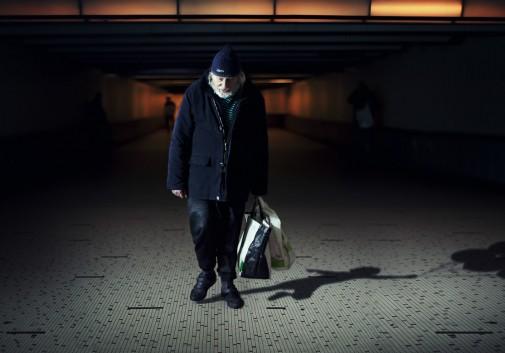 homme-SDF-homeless-ombre-nostalgie