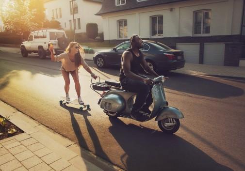 joie-bonheur-scooter-skate-rire