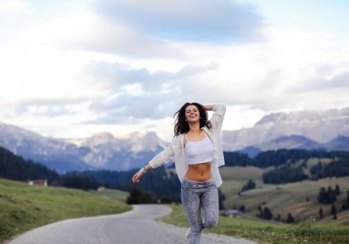 joie-italie-montagne-rire-route