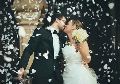 mariage-amour-couple-bonheur-église-fête