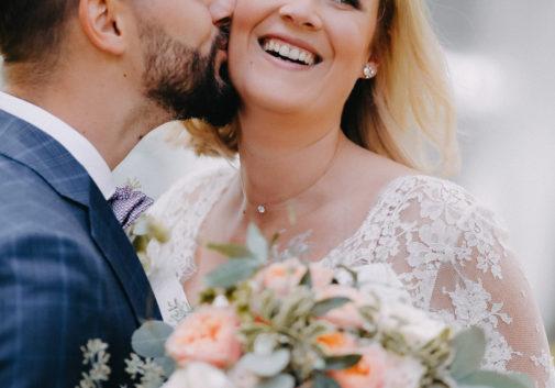 mariage-joie-fleurs-couple-bonheur