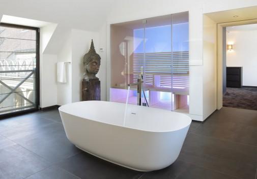 salle de bain-immobilier-baignoire-architecture